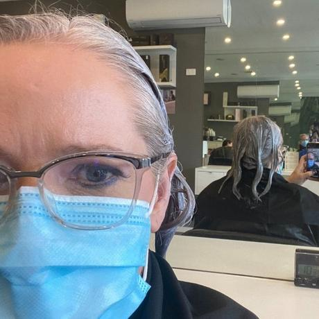 After 5 months in lockdown no hairdressers open - going grey from blonde