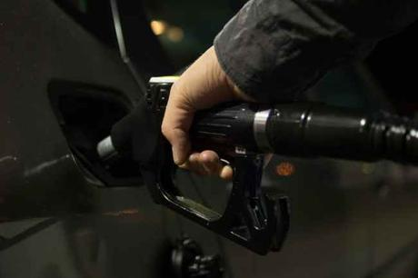 5 Ways You Can Improve Fuel Economy While Driving