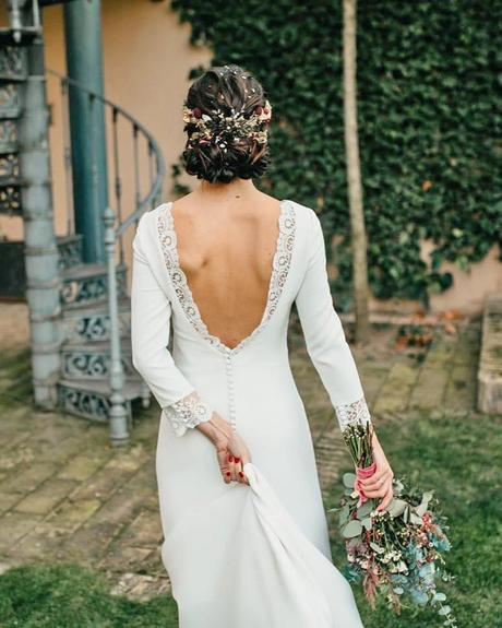 rustic wedding dresses v back with long sleeves lace danaetobajas
