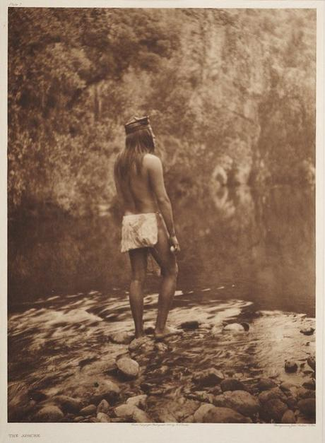 Early photography: The Apache – Edward S. Curtis
