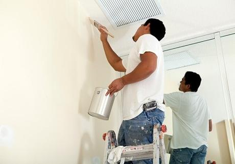 How to Paint a Wall, Trim, and Ceilings: A Pro's Advice
