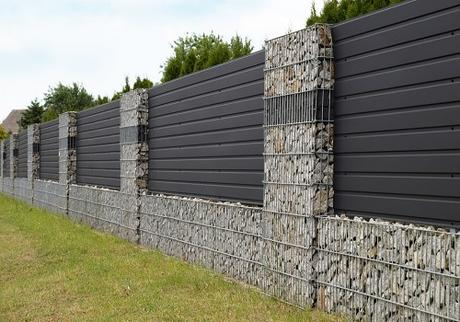 How much value does composite fencing add to a house?