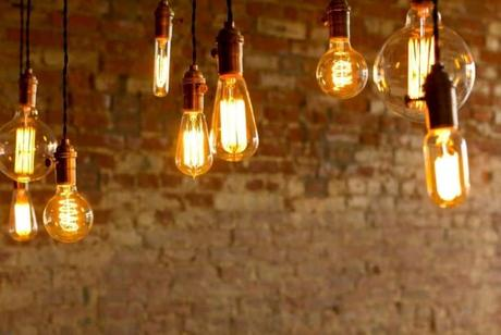 antique-light-bulbs
