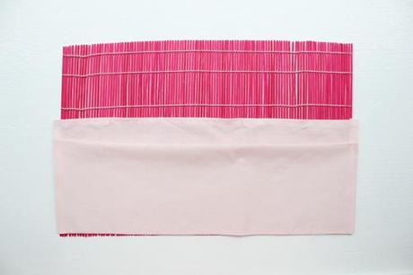 Placemat paintbrush roll-up holder