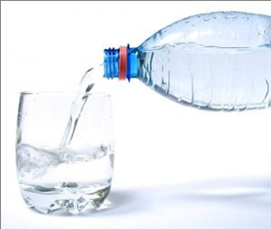 water bottle and cup Alternatives to Bottled Water