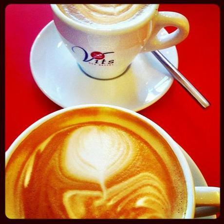 favorite places to eat in munich, vits cafe