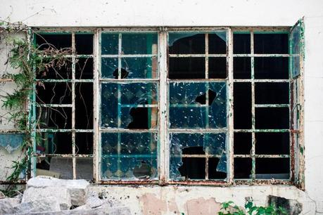 Hk_lamma_island_window_img_7337-800x533