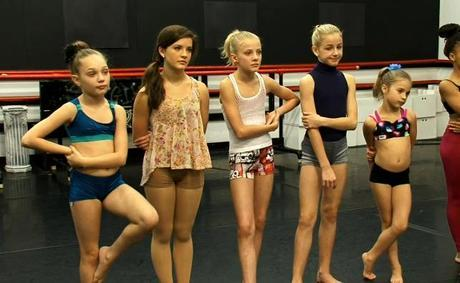 Dance Moms: Leslie Is Back…Again. That Must Mean It's Time To Throw Some Shade And Shovel Some Cake. This Is The Worst Birthday Party Ever!