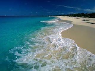 Wanderlust Wednesday: White Sandy Beaches.