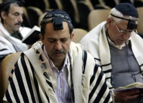 Mideast Iran Jews praying