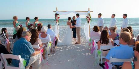 A FLORIDA BEACH WEDDING CEREMONY