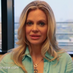 Video: Kristin Bauer van Straten Answers Fan Questions at UInterview.com