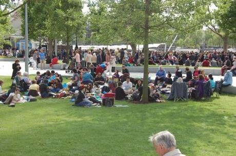 Jubilee Gardens, South bank, London - Picnic