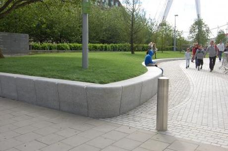 Jubilee Gardens, London - Entrance Seating