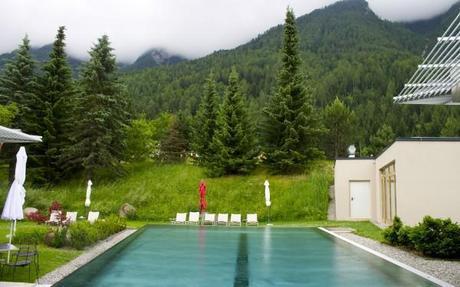 hotel and spa bleibergerhof pool