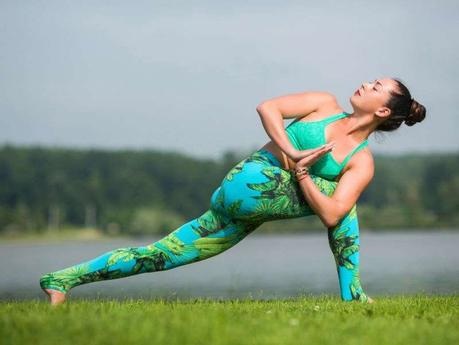 20 Best Yoga Poses For Beginners And Experienced