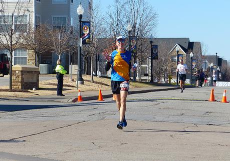 Mike Sohaskey running on the University of Tulsa campus in mile 21 of the Route 66 Marathon