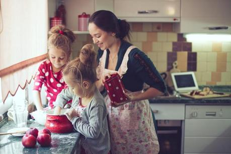 How to Teach Your Kids to Stay Safe in the Kitchen