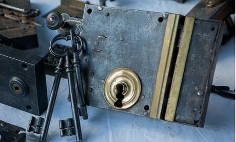 How to Choose a Locksmith in Perth