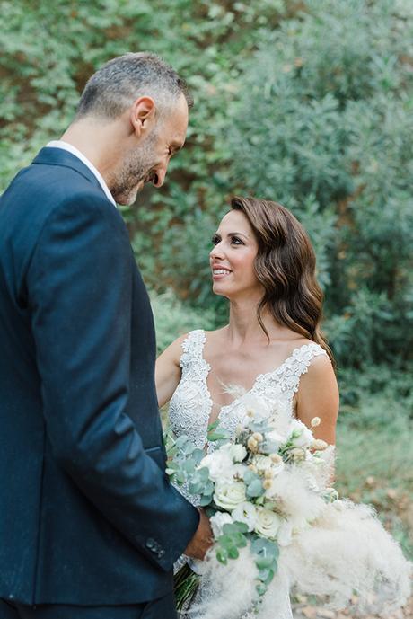 boho-inspired-fall-wedding-greece-ivory-roses_03