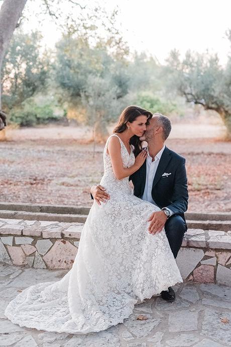 boho-inspired-fall-wedding-greece-ivory-roses_37x