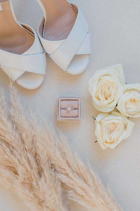 boho-inspired-fall-wedding-greece-ivory-roses_08