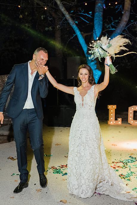 boho-inspired-fall-wedding-greece-ivory-roses_34