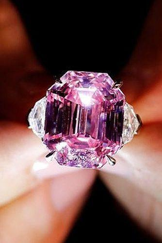 engagement ring trends 2019 pink diamond pink legacy