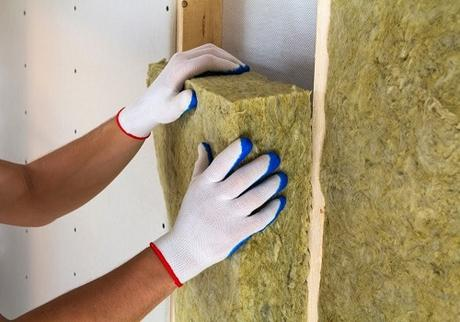 What Are Faced Insulation Batts and How Are They Used?