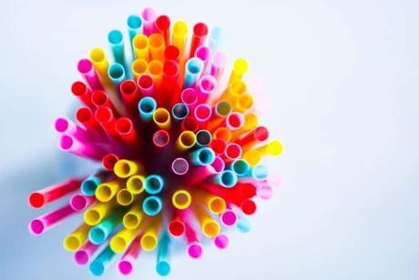 pack-of-plastic-straws