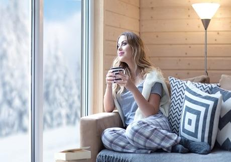5 Easy Home Tips to Stay Warm While Saving Energy in Winter