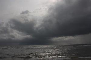 POEM: Black Skies [Rondeau Quatrain]
