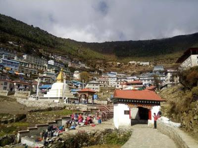 TO EVEREST (ALMOST) AND BACK: Guest Post by Caroline Hatton at The Intrepid Tourist