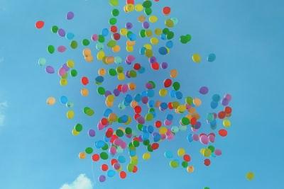 still, items, things, balloons, nature, sky, clouds, colors, fly, float, blue