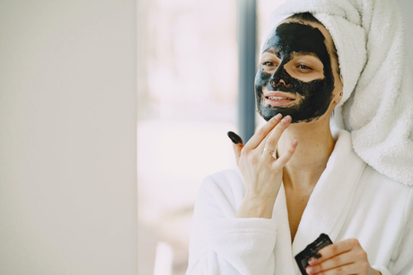 5 Secrets to Maintaining Healthy Radiant Skin Year-Round