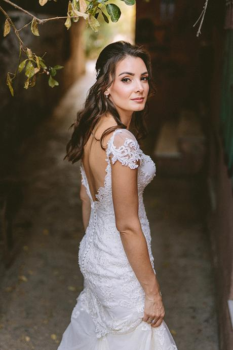 romantic-fall-wedding-athens-white-coral-hues_04x