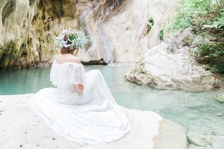 inpiring-greek-mythology-styled-shoot-lefkada-blooms-olives_07x