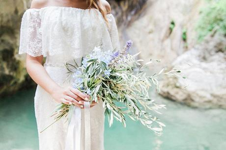 inpiring-greek-mythology-styled-shoot-lefkada-blooms-olives_04