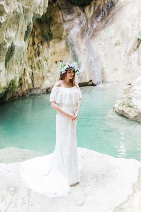 inpiring-greek-mythology-styled-shoot-lefkada-blooms-olives_08