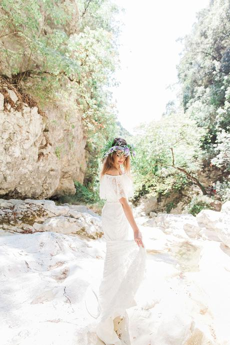 inpiring-greek-mythology-styled-shoot-lefkada-blooms-olives_02