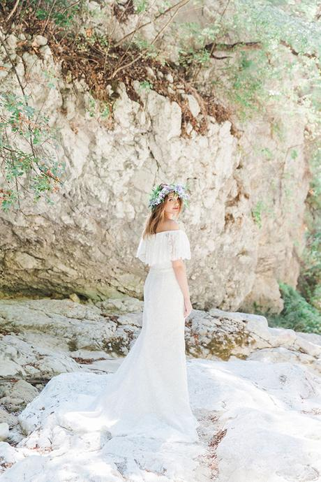 inpiring-greek-mythology-styled-shoot-lefkada-blooms-olives_06