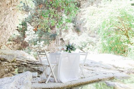 inpiring-greek-mythology-styled-shoot-lefkada-blooms-olives_04x