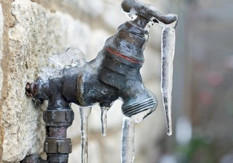Plumbing Tips for Homeowners with Frozen Pipes