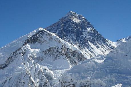 Nepali Army to Clean Trash on Everest, 5 Other Peaks