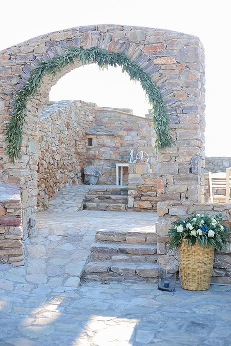 blue-white-wedding-awe-inspiring-mani_11
