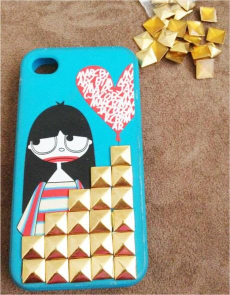DIY: Studded iPhone Case (Marc Jacobs)