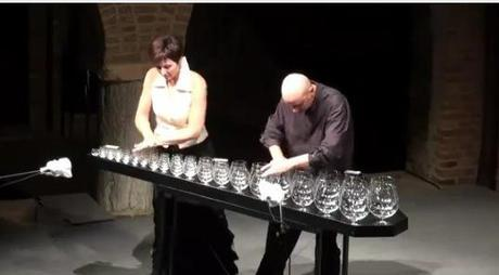 Glass Harp Duo bathes our Christmas cheer