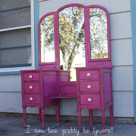 Inspiration   Hot Pink Vanity Table For Every Girl