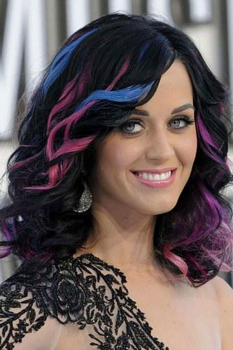 kp Celebrity Trend: Dip Dyed Ends