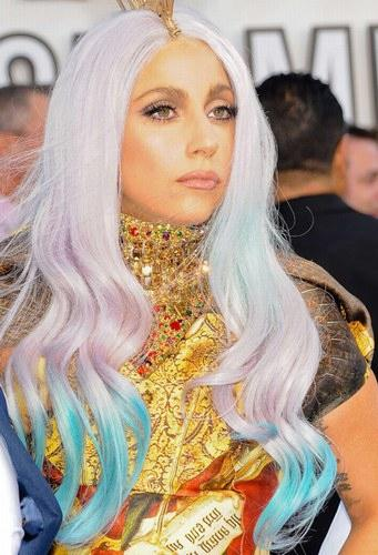 gagadipdye Celebrity Trend: Dip Dyed Ends